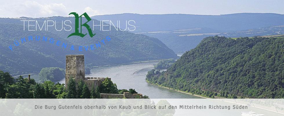 Die Burg Gutenfels oberhalb von Kaub und Blick auf den Mittelrhein Richtung Süden